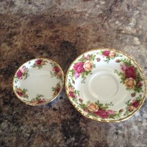 """Royal Albert """"Old Country Roses"""" Saucer & Coaster"""